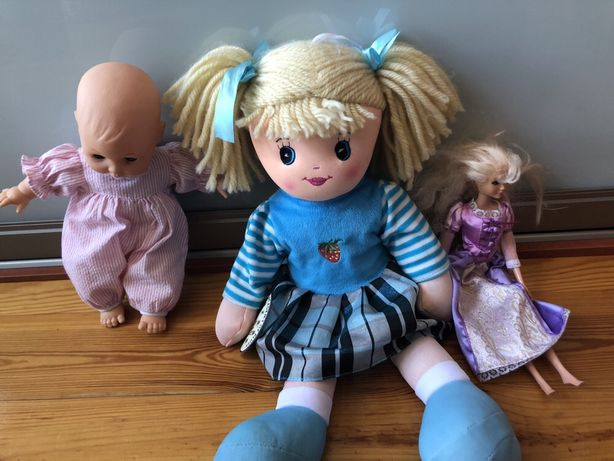 Zestaw zabawek- lalki