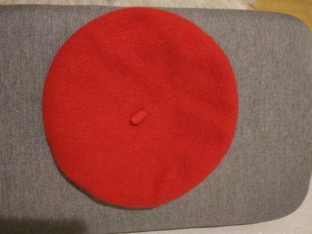 Wełniany beret Divided