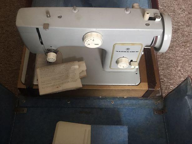 Швейная машинка с электроприводом Чайка132-М