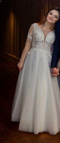 Купляла за 7300Продам/здам в оренду весільне плаття