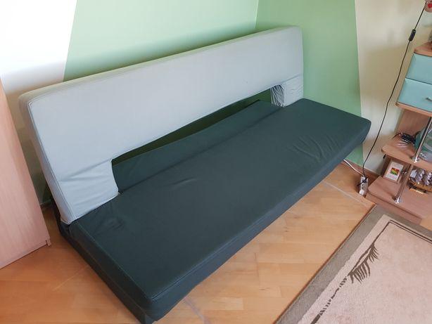 Sofa z funkcją spania i szuflada na pościel