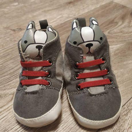 Обувь 0-6 3 пары за 50 грн