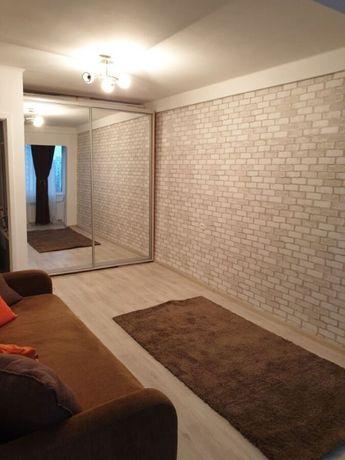 Продам 1 комнатную квартиру рядом с метро Героев Днепра