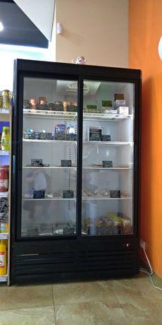 Холодильная шкаф-витрина б/у