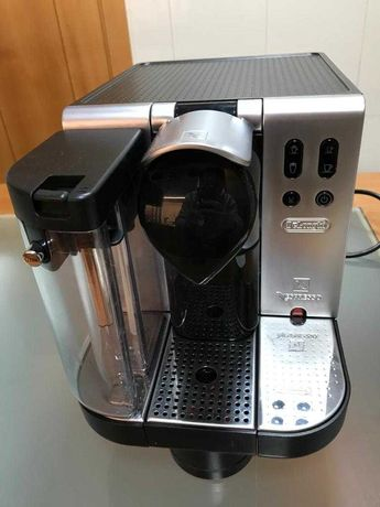 DeLonghi LATTISSIMA F320 - Nespresso - usada