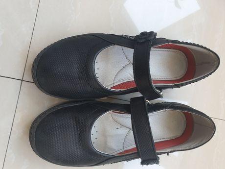 Туфли кожа девочке 34р,ортопедические стельки