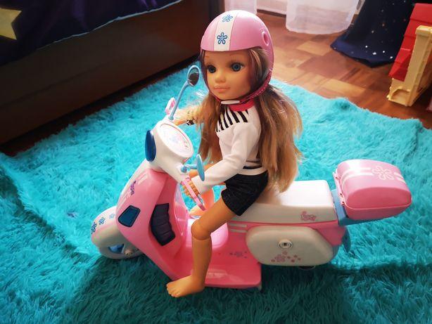 Boneca Nancy e scooter