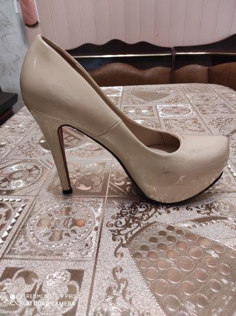 Продам туфли лабутены