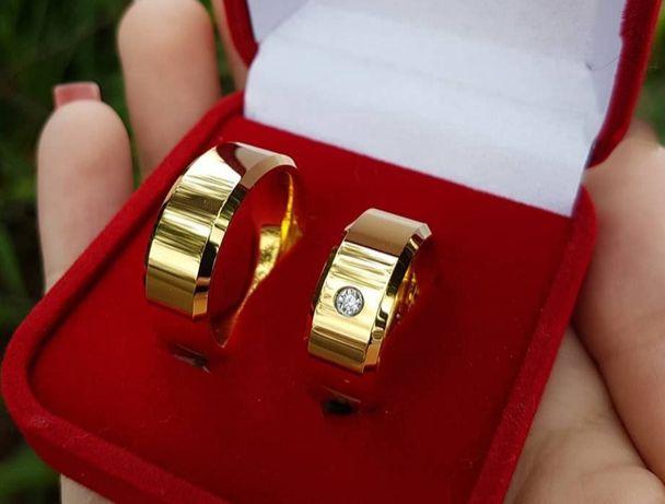 Wspaniały Komplet Złotych Obrączek Ślubnych