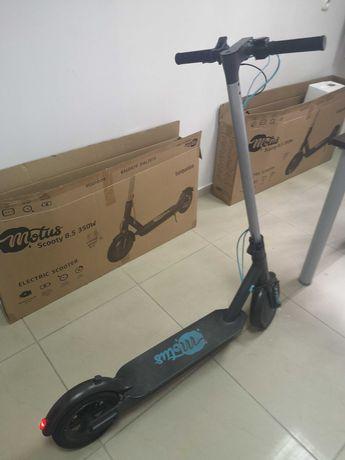 Hulajnoga elektryczna Motus Scooty 8.5 350W turquise