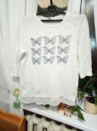 Нежный свитерок с бабочками