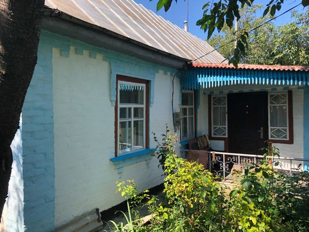 Продається житловий будинок та ділянка в смт Ставище Київської області
