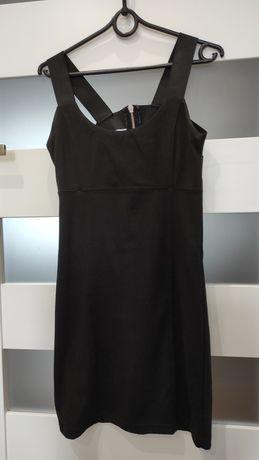 Sukienka czarna na ramiączkach