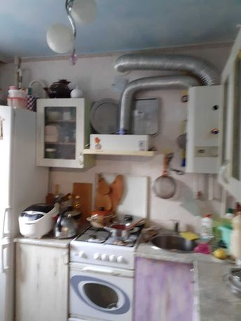 Продам 2х кімнатну квартиру в центрі, 4/5 цегла, ремонт.