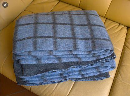 Полушерстяное одеяло в клетку состояние новых 150см*190см без бирок