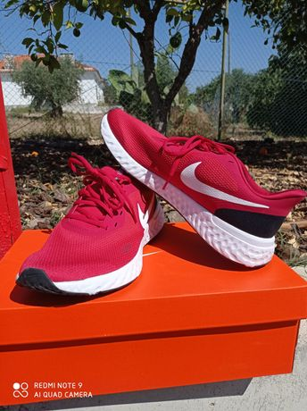 Sapatilhas Nike Revolution