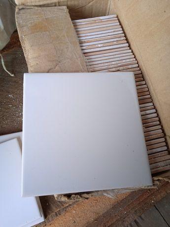 Кафельная плитка белая 1 квадрат