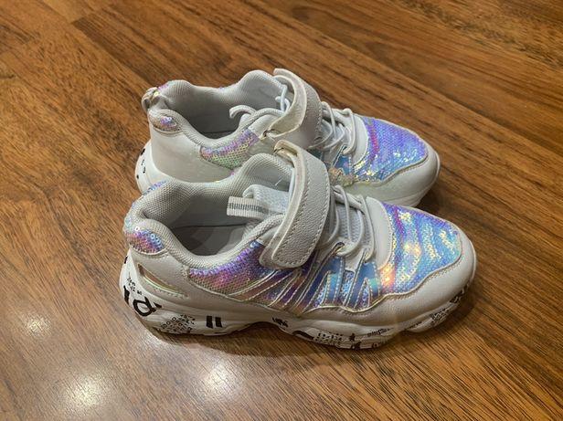 Кросівки білі для дівчинки