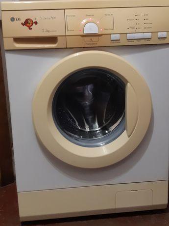 Продам узкую стиральную машину 33см 3,5кг LG,кап.ремонт,Корея!