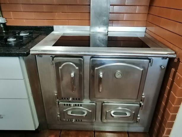 Fogão para aquecimentos central e cozinhar