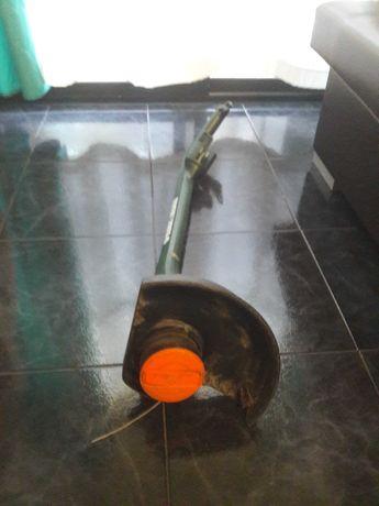 Máquina de cortar relva   portátil BLACK & DECKER