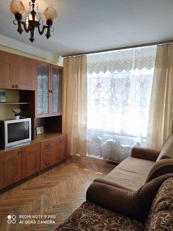 Продам 1 комнатную квартиру в Святошенском районе, улица Королева 7.