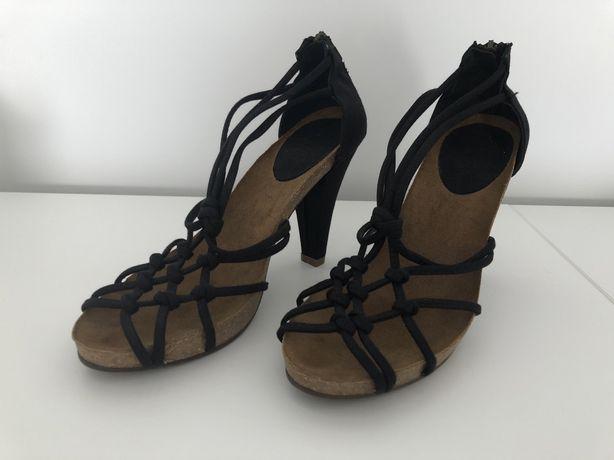 Sandálias Tamanho 38, nunca usadas