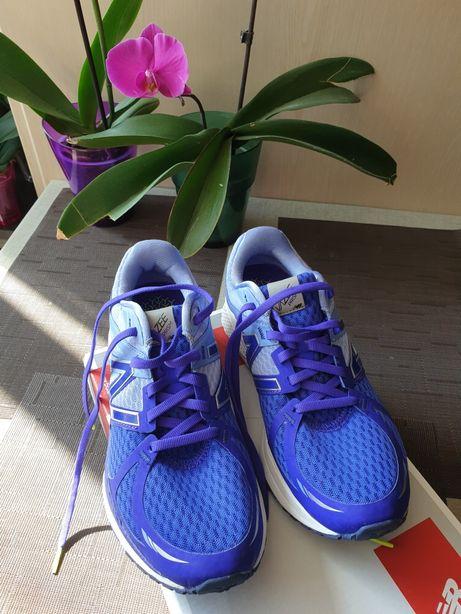 Продам оригинальные кроссовки New balance