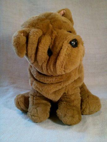 Мягкая игрушка - собака щенок Шарпея . Высота 30 см.