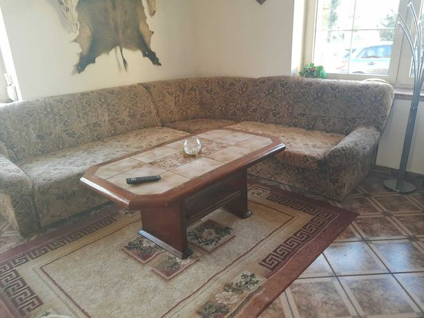 Duża kanapa narożnikowa rozkładana