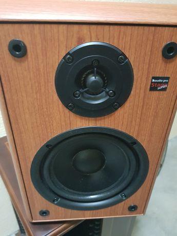 Colunas monitor audio pro