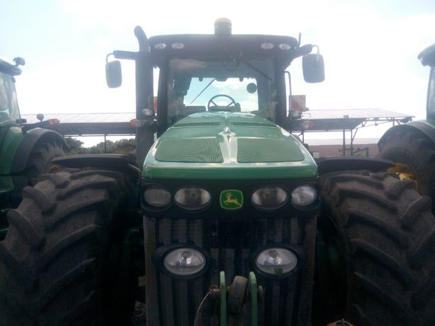 Трактор JD 8345R2