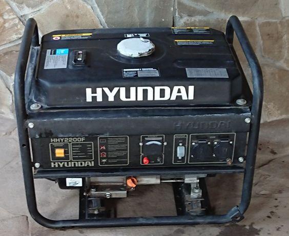Продам генератор бензиновый HYUNDAI HHY 2200F