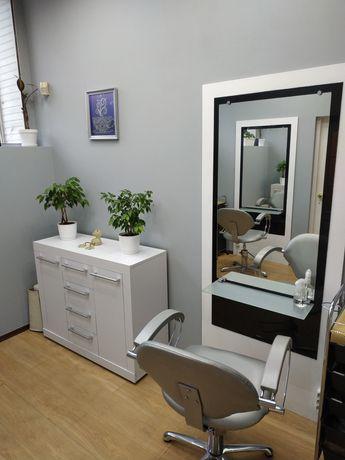 Аренда парикмахерского кресла салон красоты Киев Дарницкая площадь
