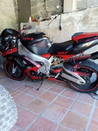 Moto Yamaha r 1 ano 2000