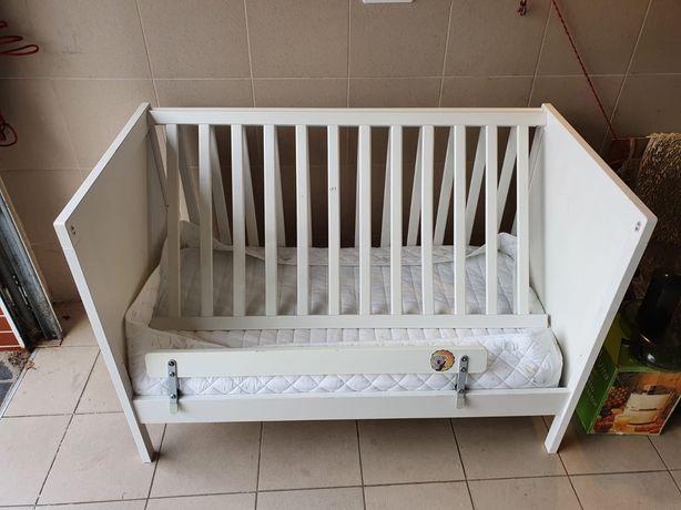 Łózeczko dziecięce IKEA + materacyk+ochraniacze.