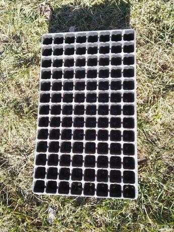 Paletki wysiewne Multipaletki 200sztuk + 100gratis  104 oczka