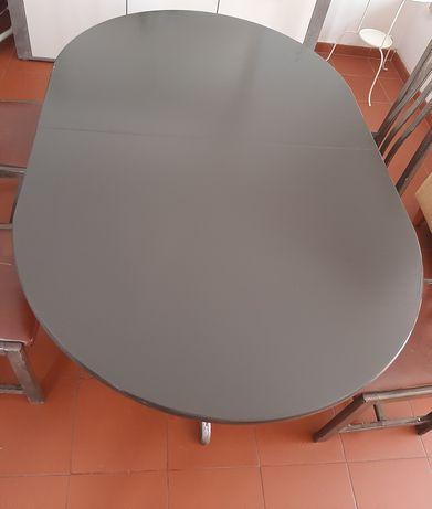 Mesa de jantar extensível e quatro cadeiras - Ler descrição