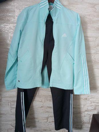 спортивный костюм adidas + бонус к нему