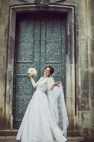 Весільне плаття / сукня