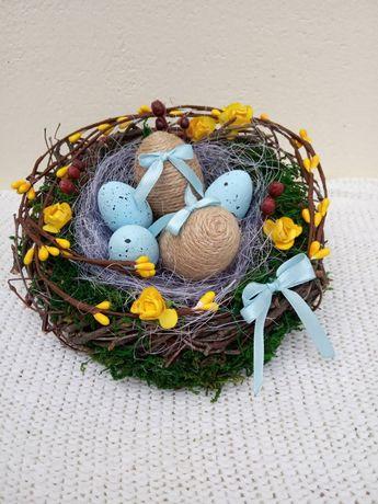 Весенние (пасхальные) гнезда