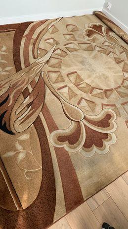 Duży, grubszy dywan - używany w niezłym stanie