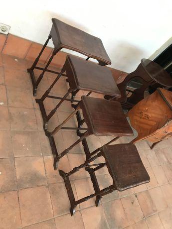 Conjunto de mesas de apoio novo