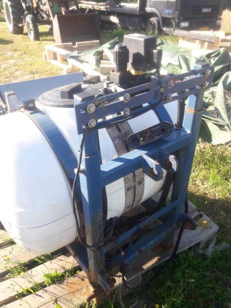 Opryskiwacz zakiszacz Kyndestoft 200l  na 2 pompy 12V