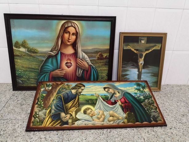 Quadros de paisagens e figuras religiosas