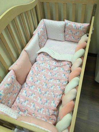кроватка со всем необходимым!!