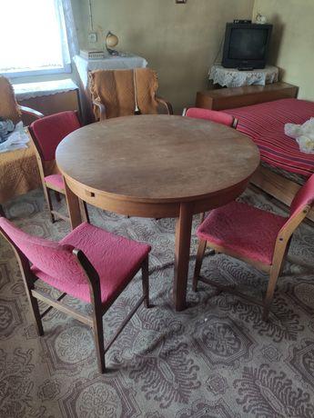 Stary stół i 4 krzesła, komplet