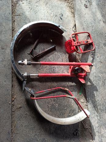 Передня вилка крила багажник подножка задній фонарь на мопед Карпати