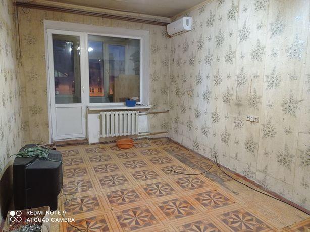 Продам 2- комнатную квартиру в Ворошиловском р-не(пл. Ленина).