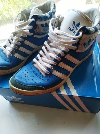 Кросівки Adidas з натуральної шкіри!